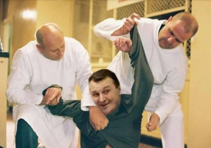 Помощника Сергея Купченко обвинили в коррупционной махинации и поставили на учет в психиатрической больнице
