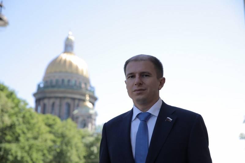 Депутат Госдумы Михаил Романов поздравил петербуржцев со Светлым Христовым Воскресением
