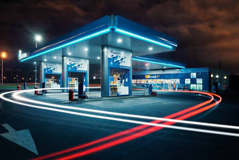 С 1 мая бензин в России не будет дорожать, заработает новая формула регулировки цен
