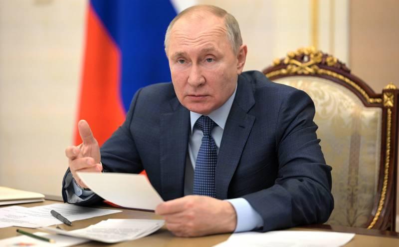Путин рассказал в своей статье о стене между Россией и Украиной