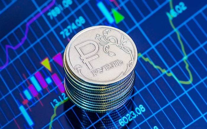 Чего ждать россиянам от курса рубля и доллара, будет ли девальвация